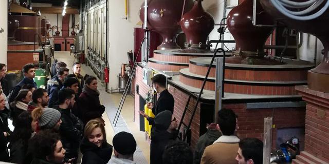 La Maison Boinaud présente la distillation aux étudiants de la MFR de Vayres